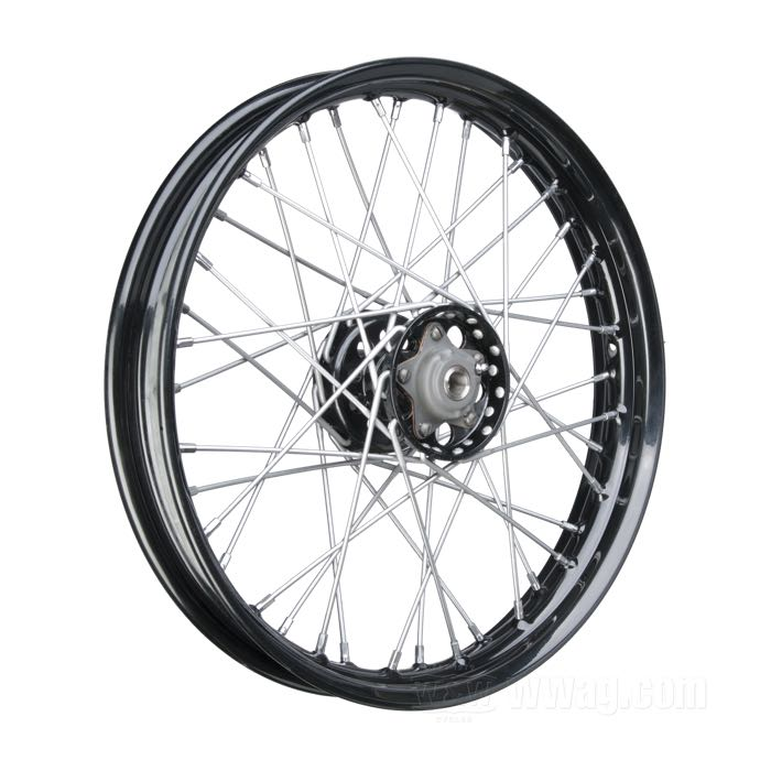 Wheels with Star Hub and Classic Profiled Semi-Drop Center Rim